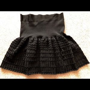 BCBG Black Mini Skirt, sz lg, Knit Stretch Flared
